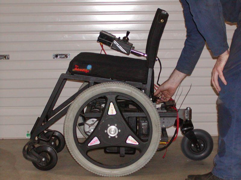 Как сделать инвалидную коляску на электроприводе